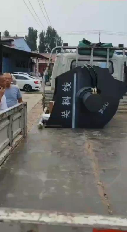 裝載機挖掘機改裝混凝土攪拌斗-帖子圖片
