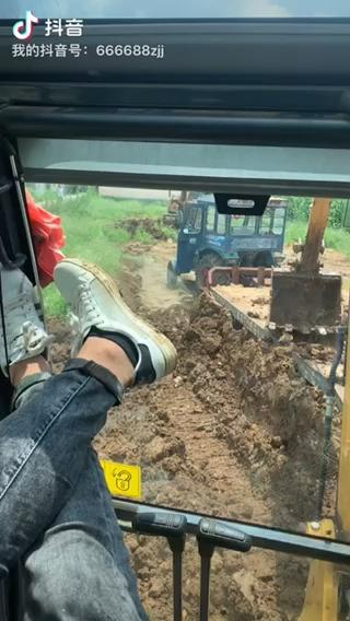 開挖掘機的都找不到女朋友嗎???!-帖子圖片