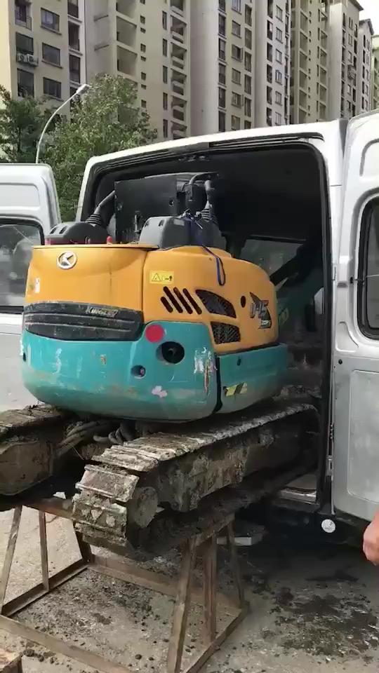 哇!封閉式的挖掘機拖車,你見過嗎?-帖子圖片