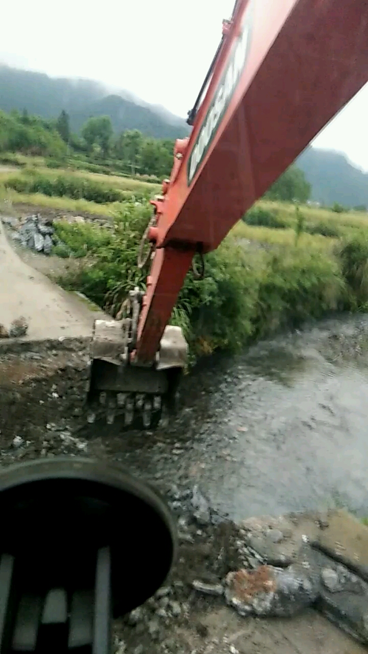 农发的项目修小桥,你们好好干我先歇会!
