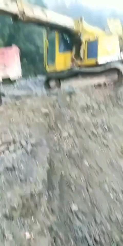 这是什么牌子的挖机?伸缩的呢