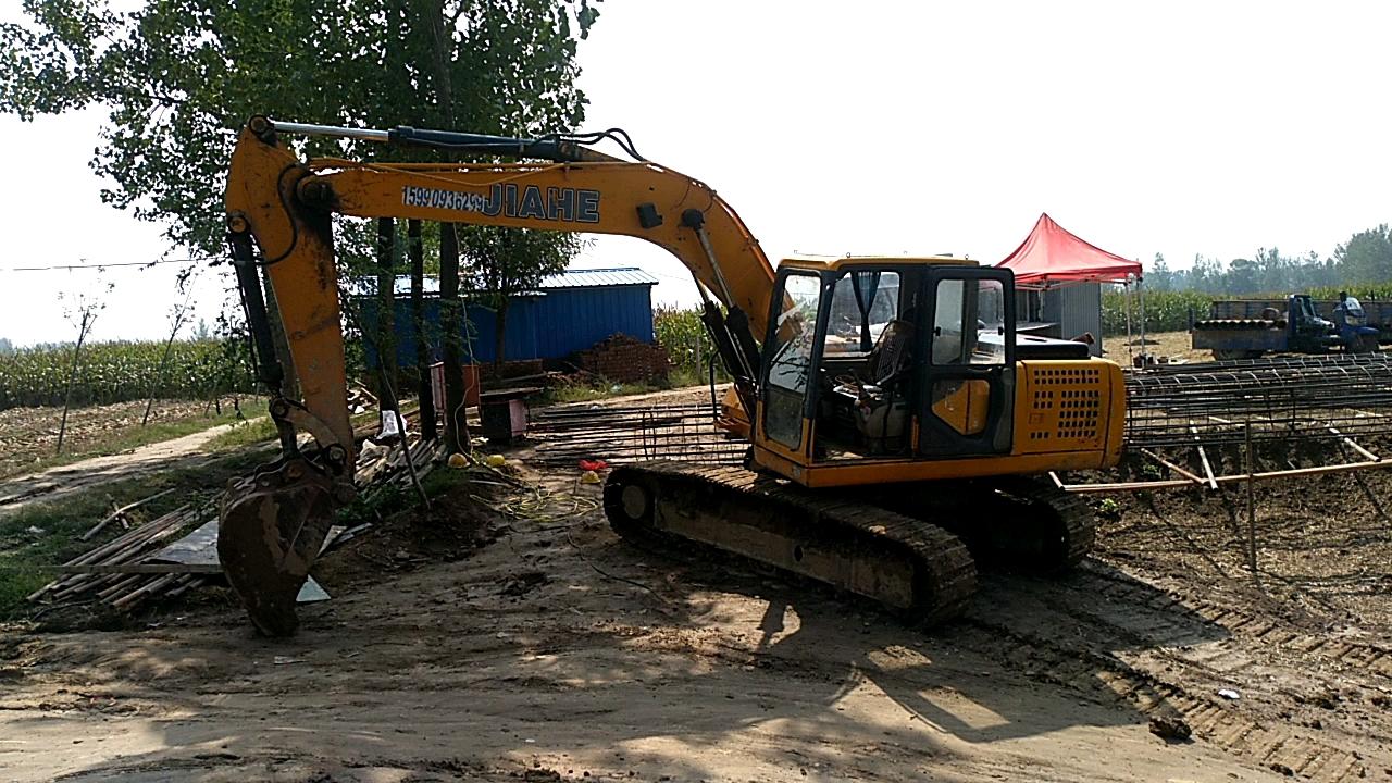山东产,嘉和牌135挖掘机5年使用情况及工作杂图