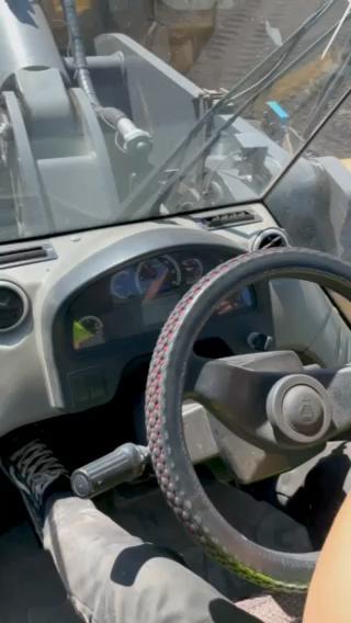 徐工700HV駕駛室內飾和常規操作!-帖子圖片