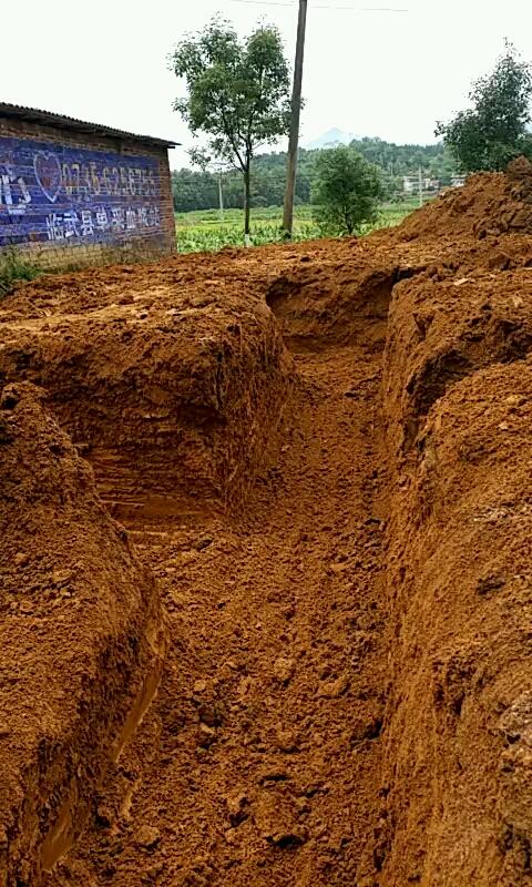 今天挖地基,万丈高楼平地起!