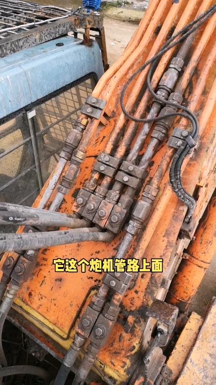【牛挖修液压33】挖掘机的蓄能器是干嘛用的?