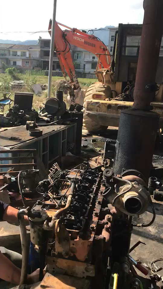大修铲车发动机