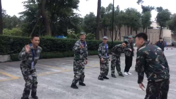 山工特种兵训练营成都站———晨练学员表演节目