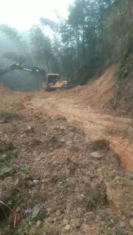 猪场挖基础