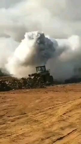 腾云驾雾的铲车,谁能追的上?