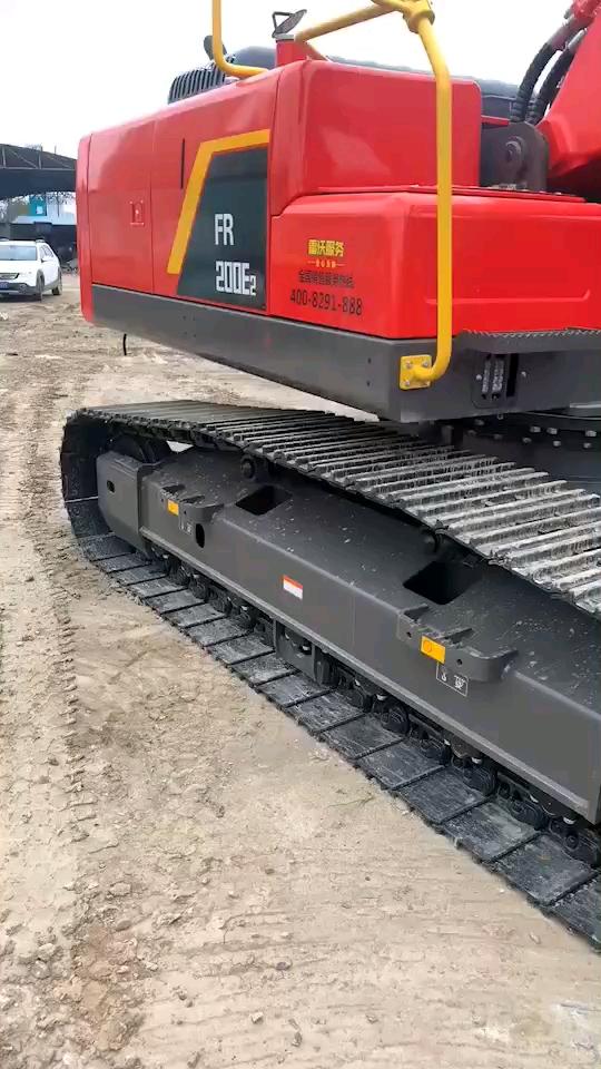 骚气的新款雷沃20吨,6吨机有见过的吗?