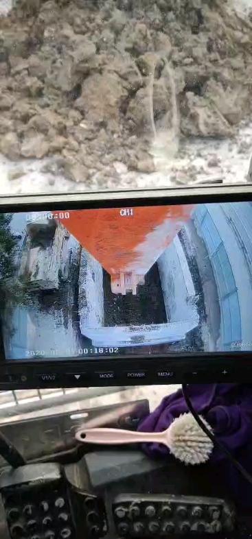长臂挖机加装个高清的摄像头
