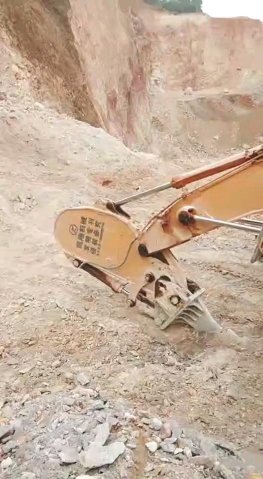 挖机倒立,怎么下去?