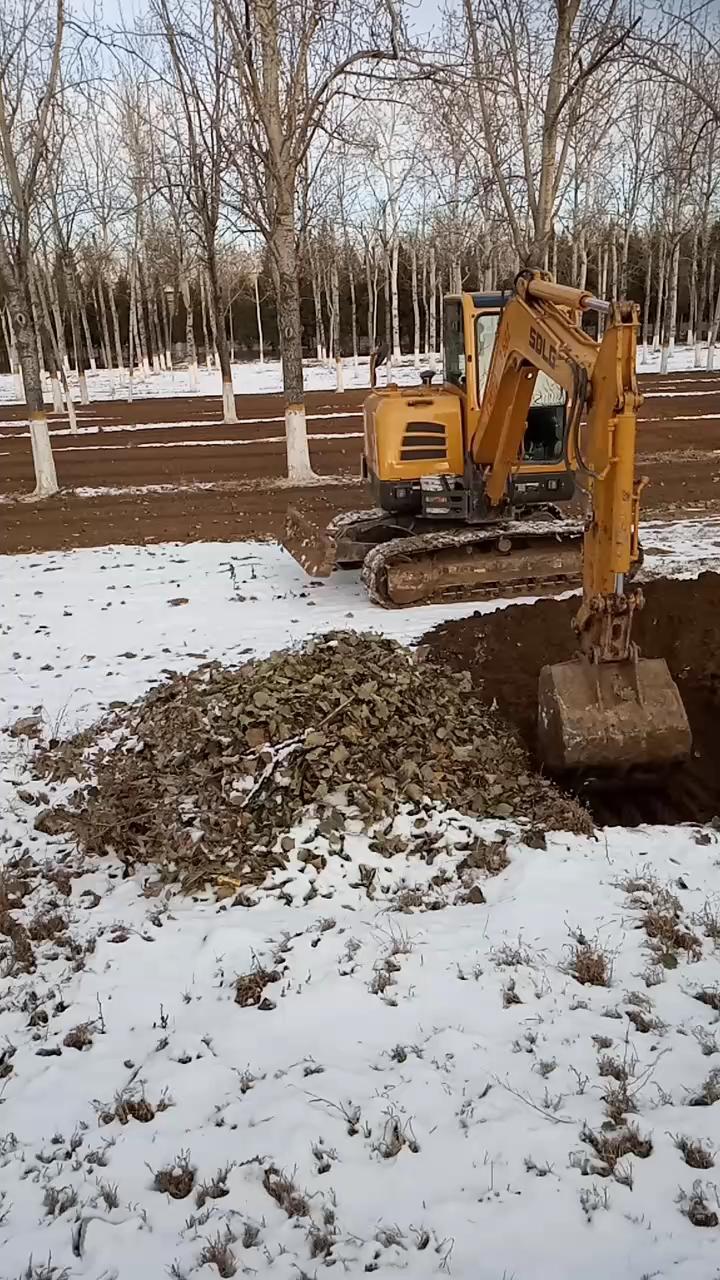 【铁甲之路】挖机在北京市顺义区森林防火-帖子图片