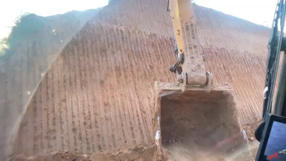 开了一天的挖掘机,下班走起-帖子图片