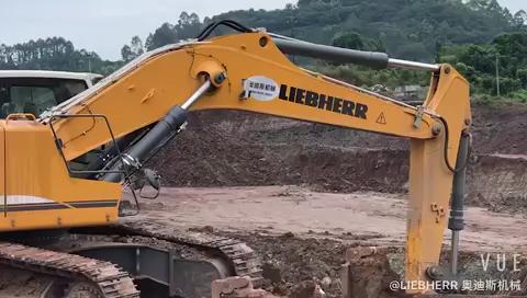 利勃海尔944现场挖页岩,轻轻松松#利勃海尔