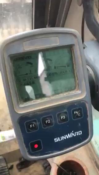 山河智能维修不显示转速,充电故障