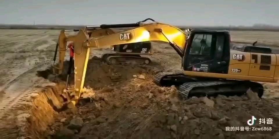卡特网红款320GX冻土施工