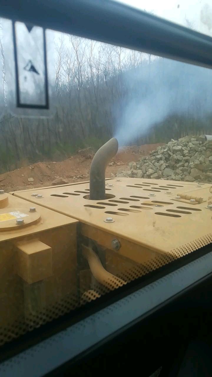 不足50小時的三一75冒藍煙是怎么了-帖子圖片