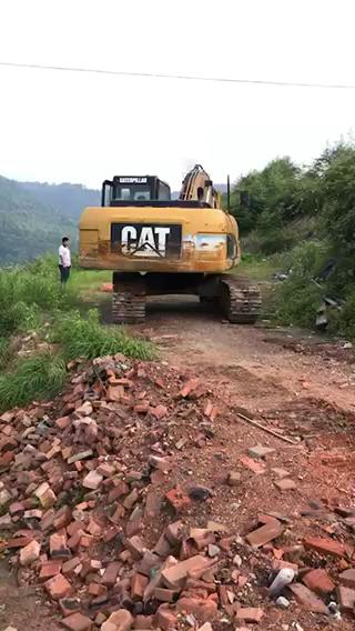 【视频达人秀】入行10年养了2台挖机