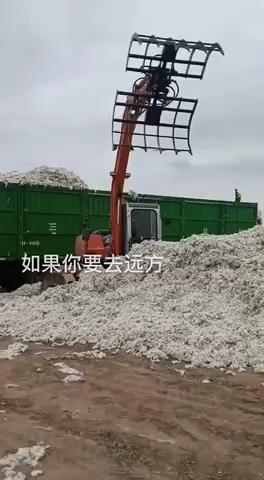 中国[表情][表情]新疆棉,工程机械在一线