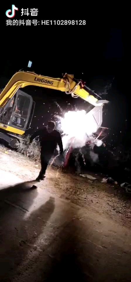 【我为柳工代言】中了柳工毒了!2年提了3台柳工挖掘机!