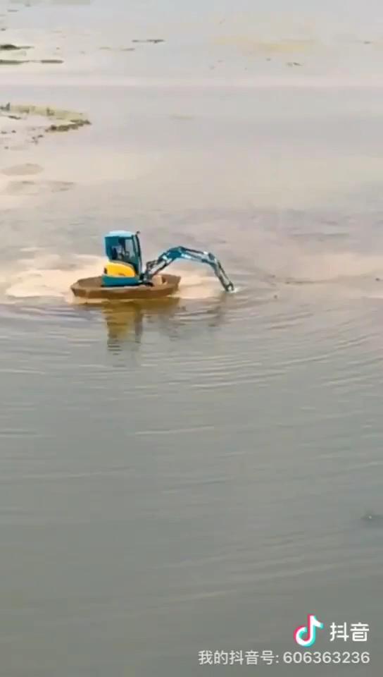 只有有颗远航的心,开挖掘机去追风