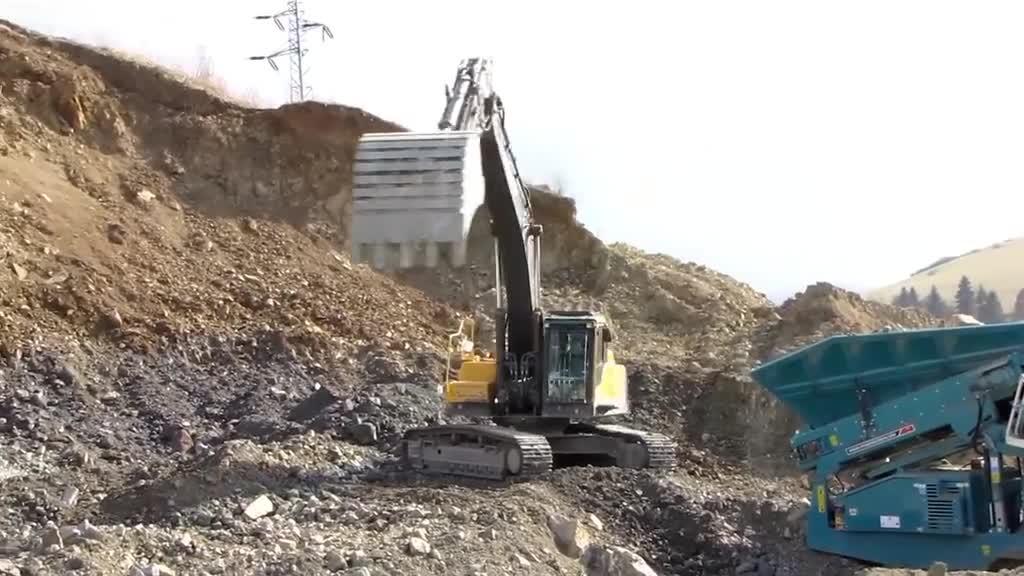 沃尔沃360履带式挖掘机